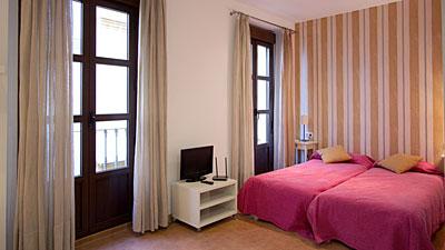 Alquiler de apartamentos tur sticos en sevilla anton for Alquiler de apartamentos por dias en sevilla