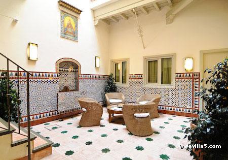 Hotel casas de santa cruz hotel de 3 estrellas en sevilla - Patios interiores andaluces ...