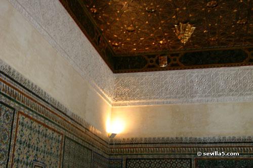 a guided tour through the casa de pilatos