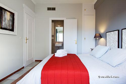 En Suite Bathrooms In Apartments: Apartment Alcázares Nr. VII, Sevilla