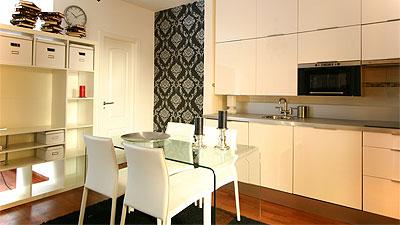 Alquiler de apartamentos por temporada y a largo plazo for Mesa cocina sevilla