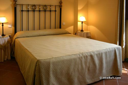 Apartment Suites Santa Cruz Sevilla