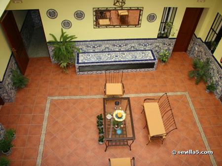 Hostal do a trinidad building for Donasea villas 7