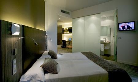 Hotel petit palace santa cruz hotel de 4 estrellas en sevilla for Hoteles en sevilla con habitaciones cuadruples