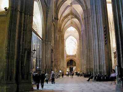 Catedral and giralda tower sevilla - Catedral de sevilla interior ...